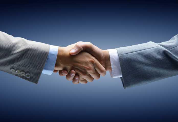 aperto de mãos: sinal de bons resultados